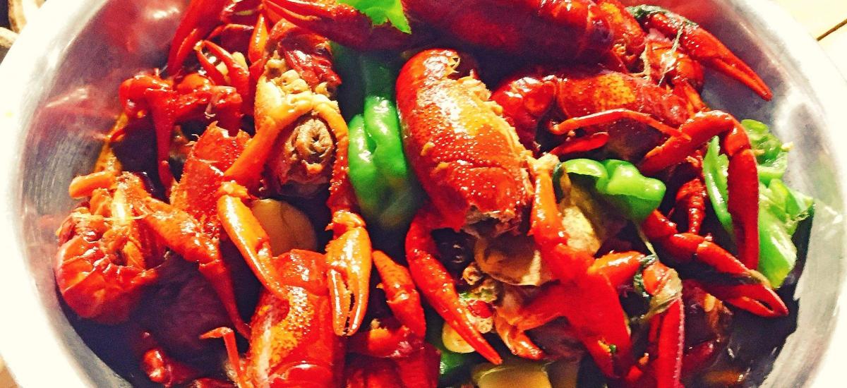 热点热议:小龙虾吃出大舞台