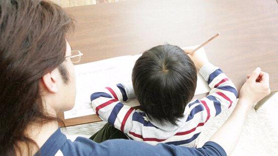 20151029《你会怎么做》:目睹小朋友学习压力太大  你会怎么做
