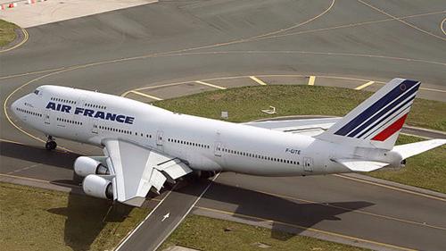 法国客机受匿名威胁  乃虚惊一场