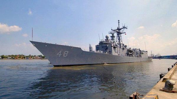 中国新战舰不输美国