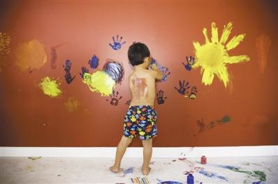 """家有熊孩子 如何拯救墙纸""""花脸猫""""?"""