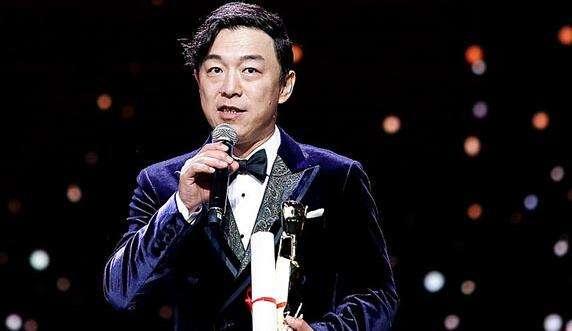 娱乐圈靠才华的最佳典范!黄渤荣获金爵奖最佳男演员