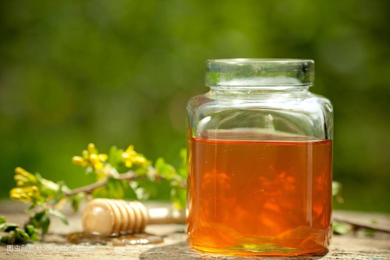制作金银花蜂蜜水