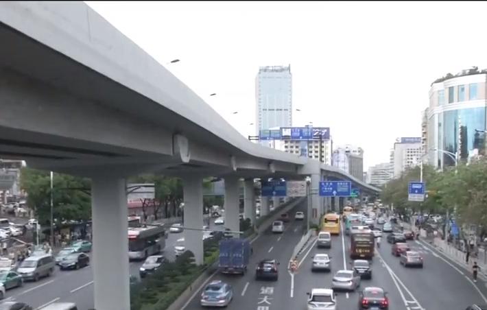 广州出租车管理拟出新规:的士拒载最高罚两千 情节严重或解约