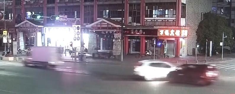 深圳:相亲后小伙坚持酒后开车送人 撞了!