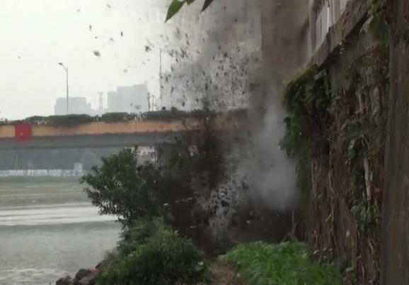 佛山:渔民捕鱼捞到炸弹 民警安全引爆