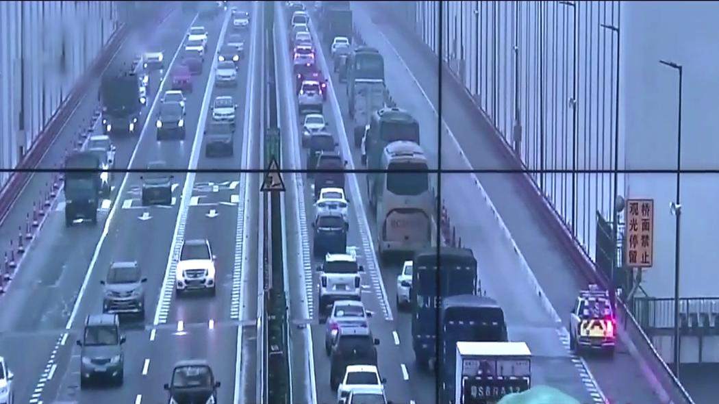 东莞虎门大桥22年首次体验 10吨货车限行26天