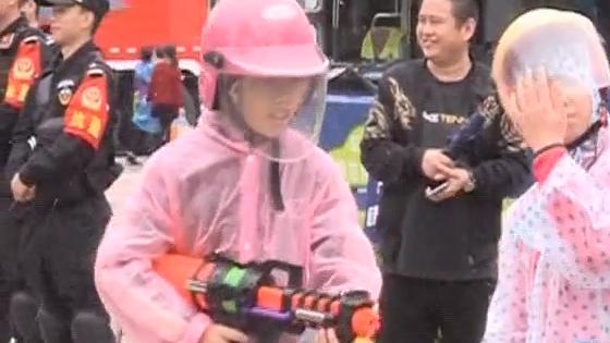 """东莞:二月初二""""卖身节"""" 湿身大战疯狂上演"""