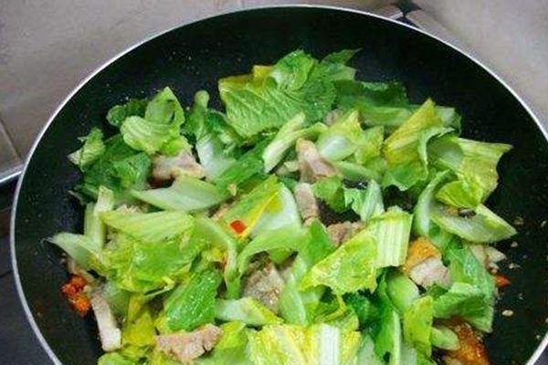 大厨每周一膳:芥菜豆豉鲮鱼炒烧肉