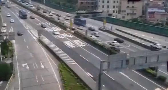 [HD][2019-04-05]今日一线:小长假交通:虎门大桥 航拍双向大车流 较去年车流减少20%