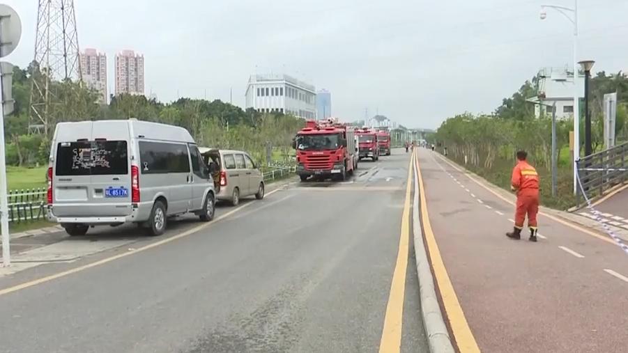 深圳:多名工人被洪水冲走 各方通宵搜救