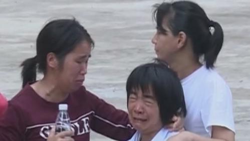 河源:疑与前夫感情纠纷 女子抱孩轻生