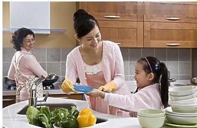 """上海一小學將""""做家務""""列入家庭作業引發熱議"""