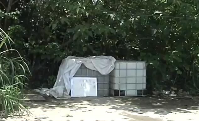 广州:记者暗访非法油站 专人放哨警惕性高