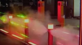 韶关:会喷水的红绿灯 专喷闯红灯者