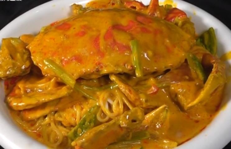 制作咖喱珍宝蟹