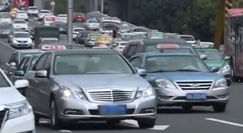 节能车指标增加 中签率为普通车65倍