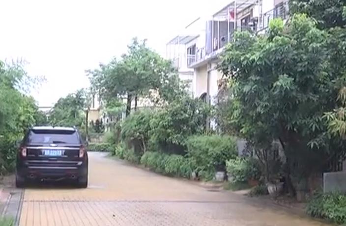 東莞:小區停車要收費 業主物管陷僵局