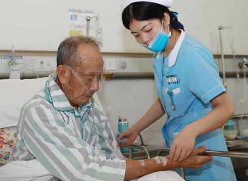 """廣州:后事進行到一半 82歲老人竟""""復活"""""""