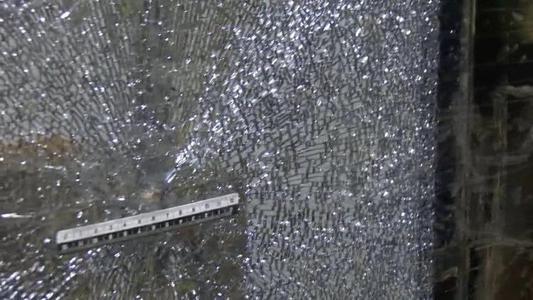 [HD][2019-07-21]今日關注:深圳:玩彈弓竟擊碎地鐵玻璃 男子被拘10天