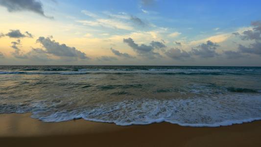 [HD][2019-07-20]今日一線:一線獨家調查:陽江海陵島 原免費海灘被圍蔽收費 每人38元/次
