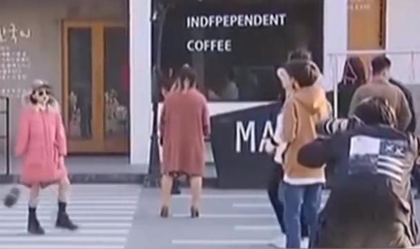 上海:童模冒35℃高溫在戶外拍羽絨服廣告遭質疑