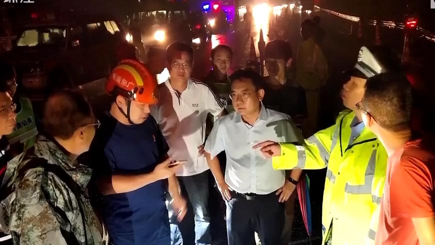 [HD][2019-08-26]今日关注:阳江:超载客车雨夜侧翻 致7死11伤