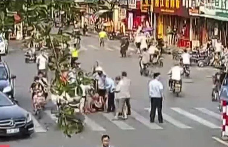 [HD][2019-09-19]今日一线:揭阳空港经济区:民房深夜起火 消防员浓烟中救5人