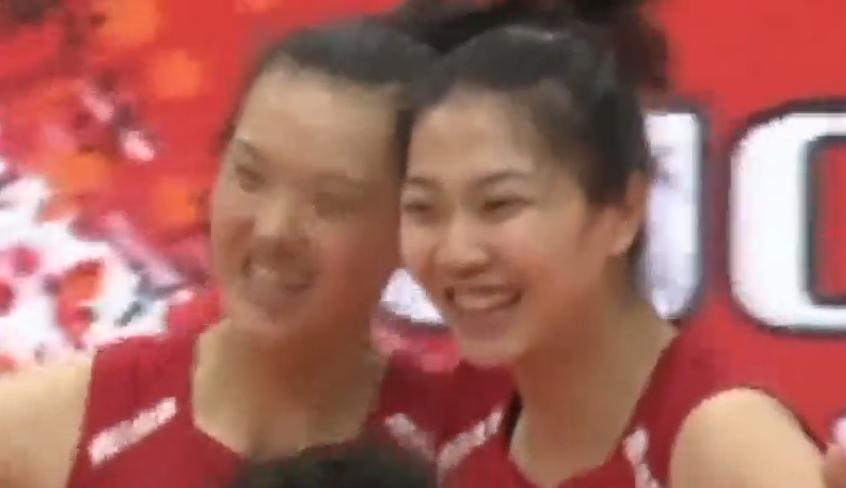 女排世界杯:中国11连胜 第四次全胜夺冠