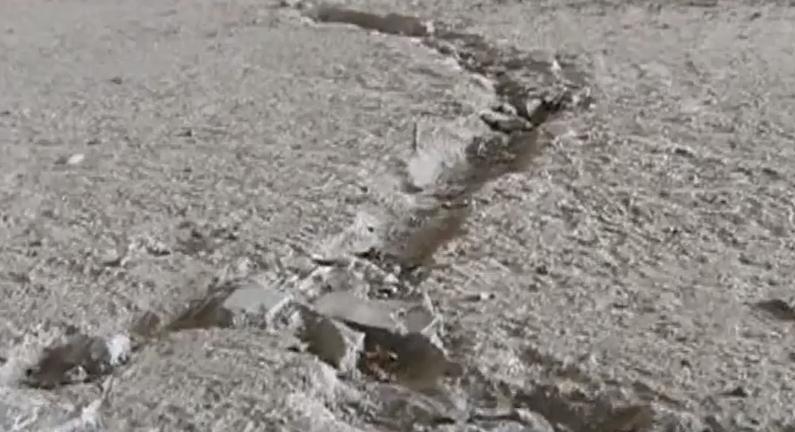 (DV现场)业主求助:新楼盘出现裂缝 担忧安全隐患