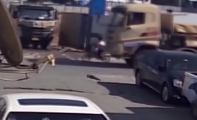 深圳:泥頭車亡人事故頻發 交警局長痛批司機和車企