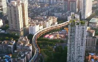 广州高架桥林立 如何限制超载车上桥?
