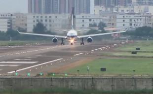 旅客突發疾病 川航一航班緊急備降深圳