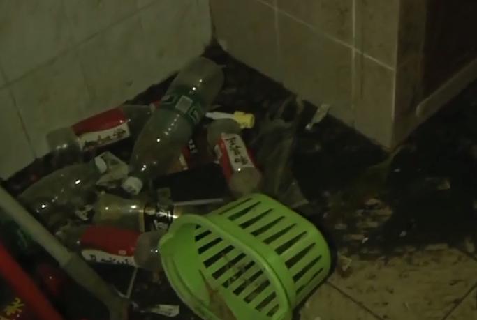 [HD][2019-10-12]今日关注:厕所堵塞一个月不修 这户居民搞臭整栋楼