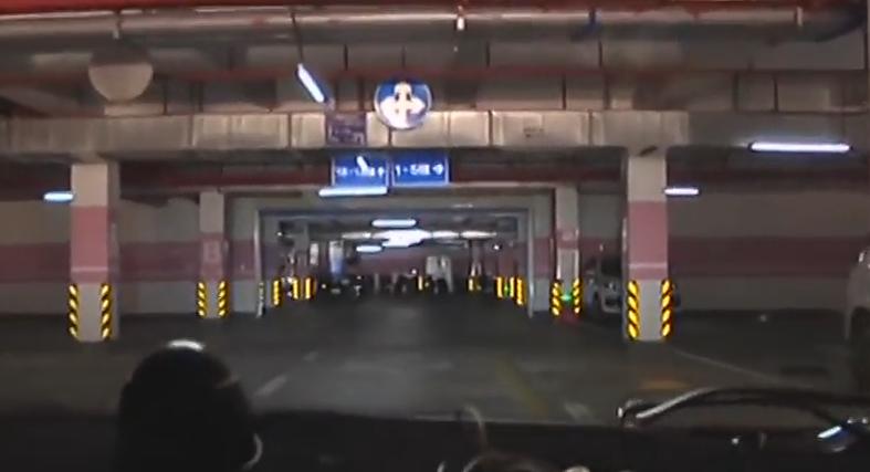 湛江:小区停车费又起纠纷 没买车位只能停区外