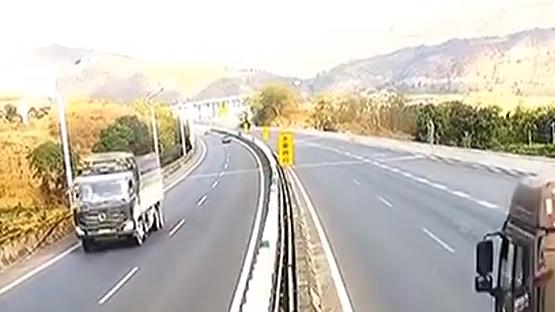 [2019-12-18]城事特搜:大貨車制動失靈 熱心老司機力挽狂瀾