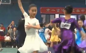 """广州 50多所中小学学生争夺""""舞林高手""""桂冠"""