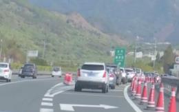 [HD][2020-01-17]今日一线:关注春运 服务区车流量增大 入口安排交通指引