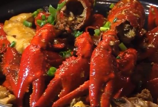 [2020-01-16]我爱返寻味:制作小龙虾鸡煲