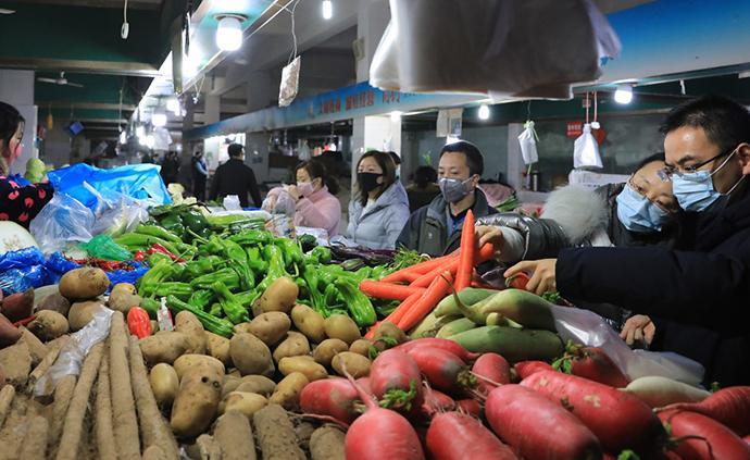 广州:肉菜稳定供应 记者走访:肉菜市场 批发市场供应充足