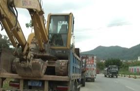 廣州:500米路段違停過百貨車 交通存隱患