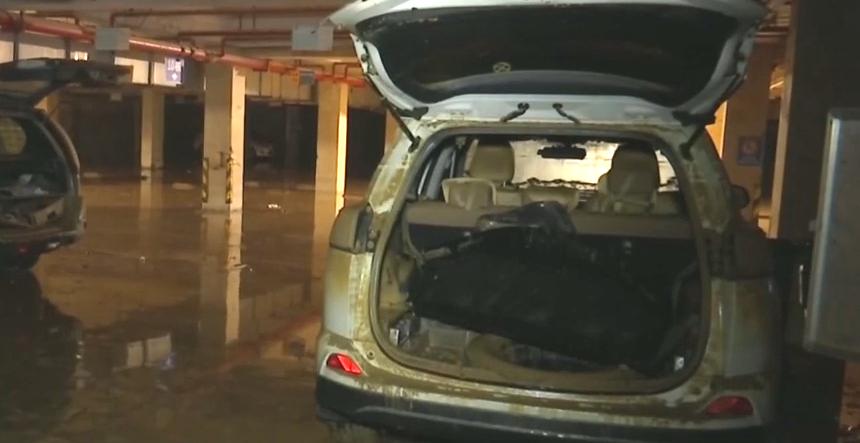 增城:小区车辆受浸严重 救援有序进行中