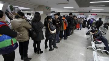 广州:二手楼过户连夜排队