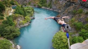 世界上最不要命的3个天然跳水台