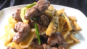 烹饪:鲜笋炒鸭片