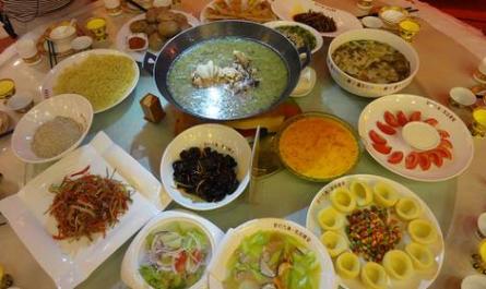 探龙虎山 品养生宴
