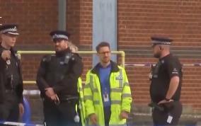 英国警方仍在核实货车惨案遇难者身份