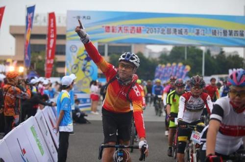 湛江:雷州半岛200公里骑行 两千人参与