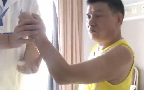 广州:奇迹!机械碾断前臂 8小时接回