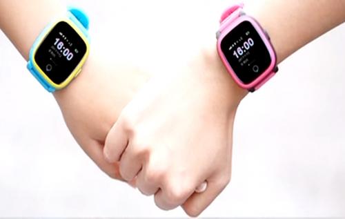 今日最争议 情侣用儿童手表定位功能防出轨,你怎么看?